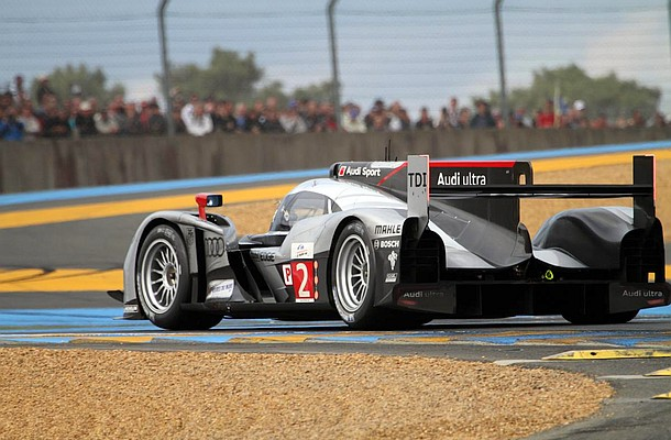 Motorsports: 24 Hours of Le Mans