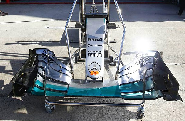 Motorsports: FIA Formula One World Championship 2015, Grand Prix of Malaysia,  Mercedes AMG Petronas Formula One Team, technical detail, nose, Nase, Frontfluegel, front wing  *** Local Caption *** +++ www.hoch-zwei.net +++ copyright: HOCH ZWEI +++