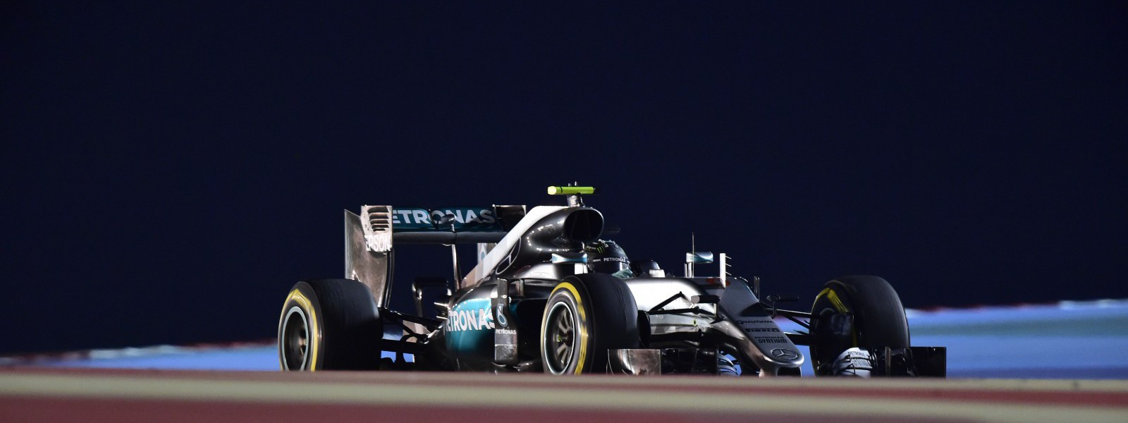 Motorsports: FIA Formula One World Championship 2016, Grand Prix of Bahrain,  #6 Nico Rosberg (GER, Mercedes AMG Petronas Formula One Team),  *** Local Caption *** +++ www.hoch-zwei.net +++ copyright: HOCH ZWEI +++