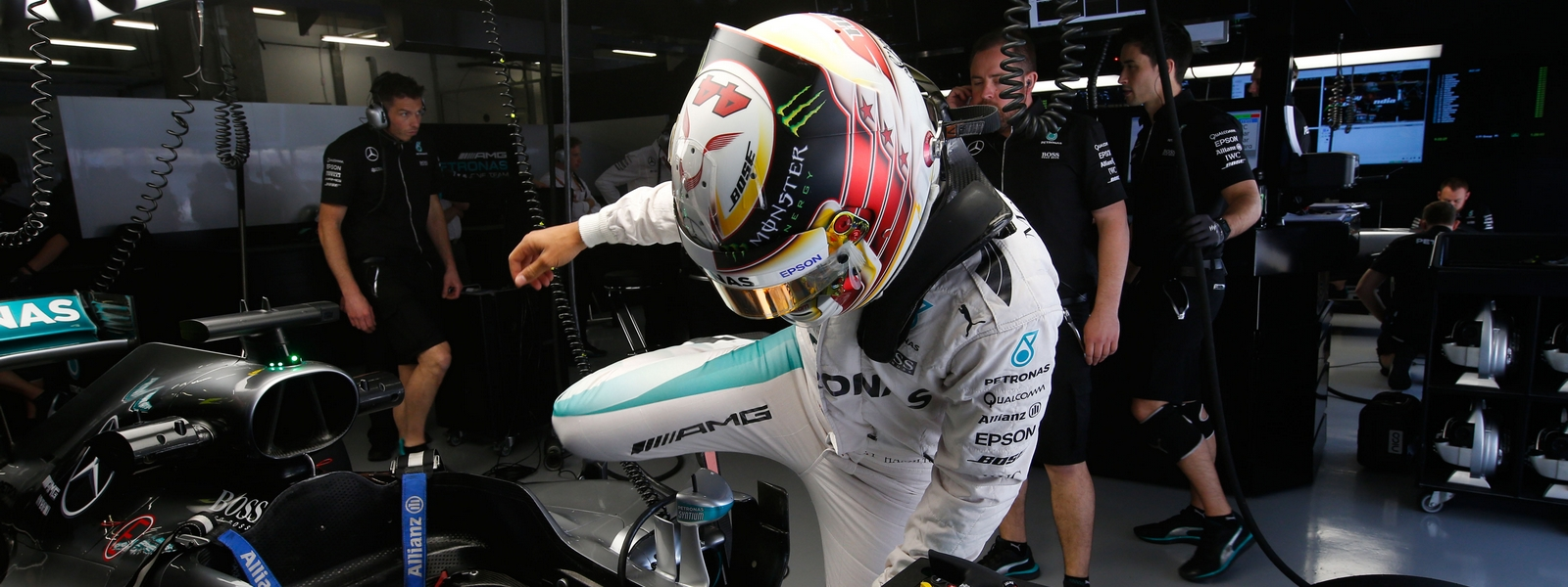 Motorsports: FIA Formula One World Championship 2016, Grand Prix of China, *** Local Caption *** +++ www.hoch-zwei.net +++ copyright: HOCH ZWEI +++ #44 Lewis Hamilton (GBR, Mercedes AMG Petronas F1 Team),