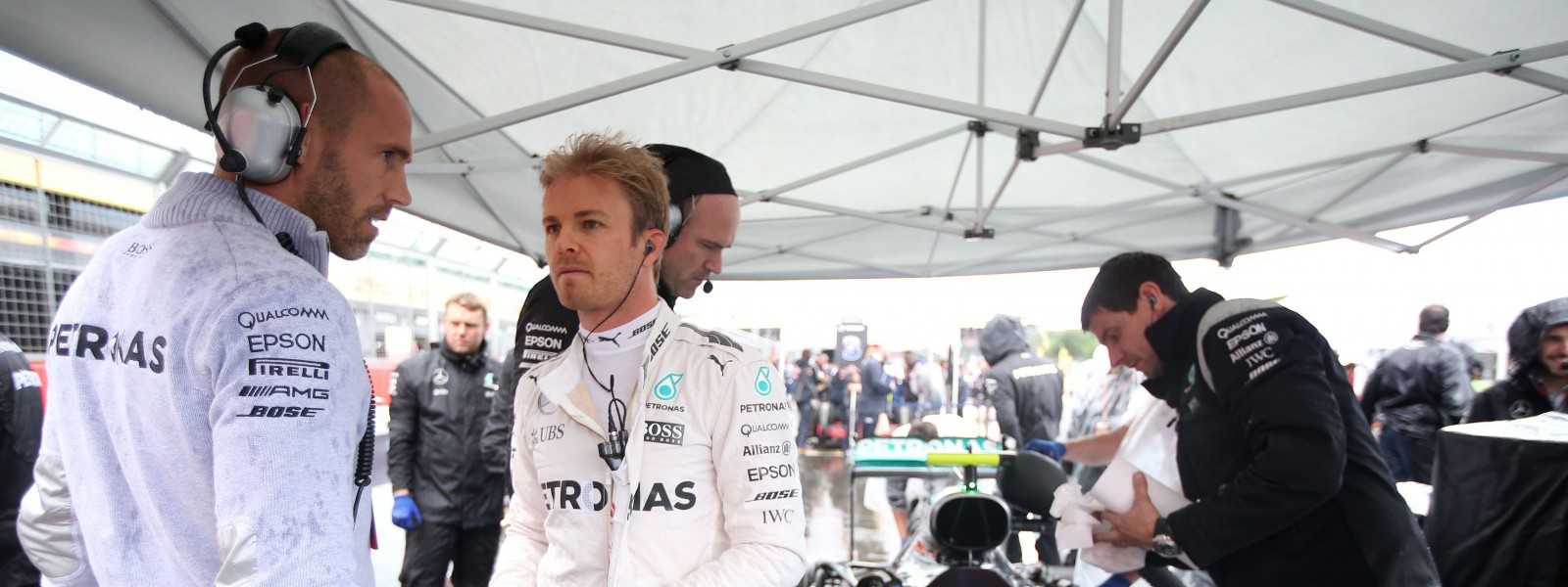 Motorsports: FIA Formula One World Championship 2016, Grand Prix of Great Britain,  Daniel Schloesser (GER, Mercedes AMG Petronas Formula One Team), #6 Nico Rosberg (GER, Mercedes AMG Petronas Formula One Team),  *** Local Caption *** +++ www.hoch-zwei.net +++ copyright: HOCH ZWEI +++