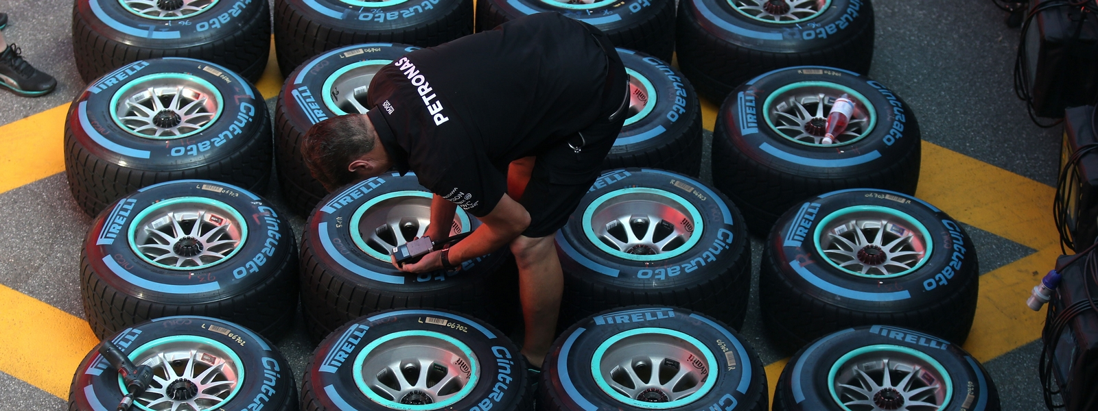 Motorsports: FIA Formula One World Championship 2016, Grand Prix of Italy,  Pirelli, tire, tires, tyre, tyres, wheel, wheels, Reifen, Rad, feature *** Local Caption *** +++ www.hoch-zwei.net +++ copyright: HOCH ZWEI +++