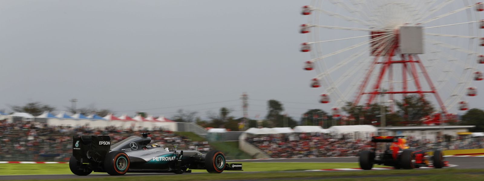 Motorsports: FIA Formula One World Championship 2016, Grand Prix of Japan,  #44 Lewis Hamilton (GBR, Mercedes AMG Petronas Formula One Team),  *** Local Caption *** +++ www.hoch-zwei.net +++ copyright: HOCH ZWEI +++