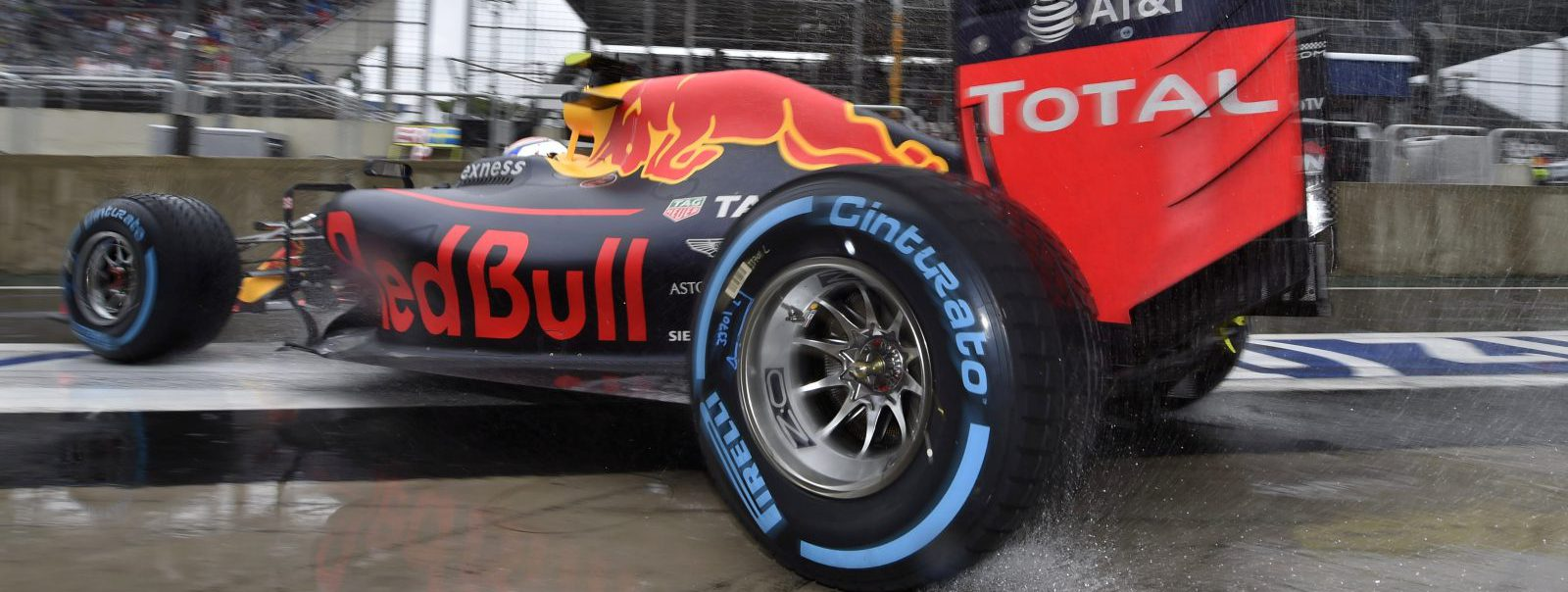 Grand Prix Brazil, Circuit Autódromo Carlos Pace, Interlagos, Sao Paulo, Brazil, Formula1, Round 20, 2016 #33 Max Verstappen (NLD, Red Bull Racing), *** Local Caption *** www.hoch-zwei.net  photo: Peter van Egmond / Hoch Zwei