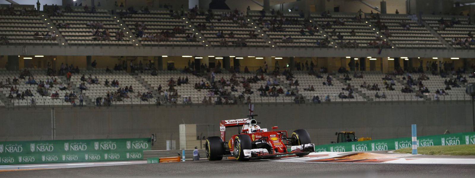 Motorsports: FIA Formula One World Championship 2016, F1 race in Abu Dhabi,  #5 Sebastian Vettel (GER, Scuderia Ferrari),  *** Local Caption *** +++ www.hoch-zwei.net +++