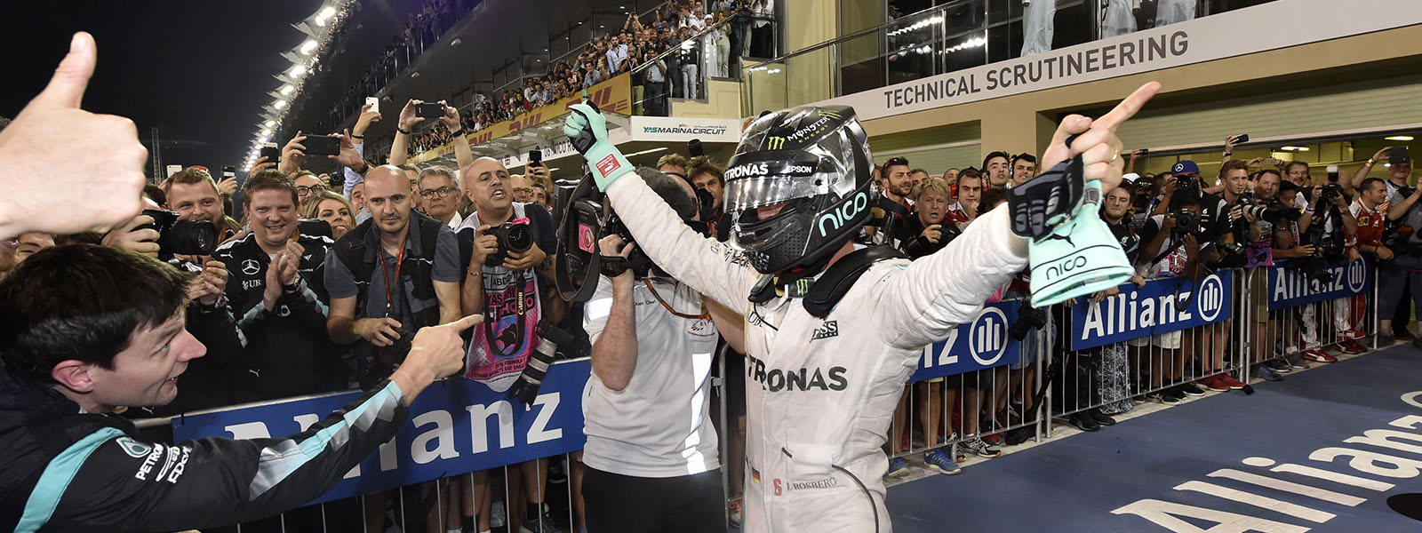 Rosberg wins the title
