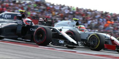 Motorsports: FIA Formula One World Championship 2016, Grand Prix of United States,  #22 Jenson Button (GBR, McLaren Honda Formula 1 Team), #21 Esteban Gutierrez (MEX, Haas F1 Team),  *** Local Caption *** +++ www.hoch-zwei.net +++ copyright: HOCH ZWEI +++