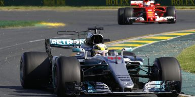 Melbourne, Victoria : Motorsports: FIA Formula One World Championship 2017 on March, 26, 2017, Melbourne: FIA Formula One World Championship,  Lewis Hamilton (GBR, Mercedes AMG Petronas), Sebastian Vettel (GER, Scuderia Ferrari) Australian Formula One Grand Prix at Albert Park on March 26, 2017 in Melbourne, Australia. (Photo by Hoch Zwei)