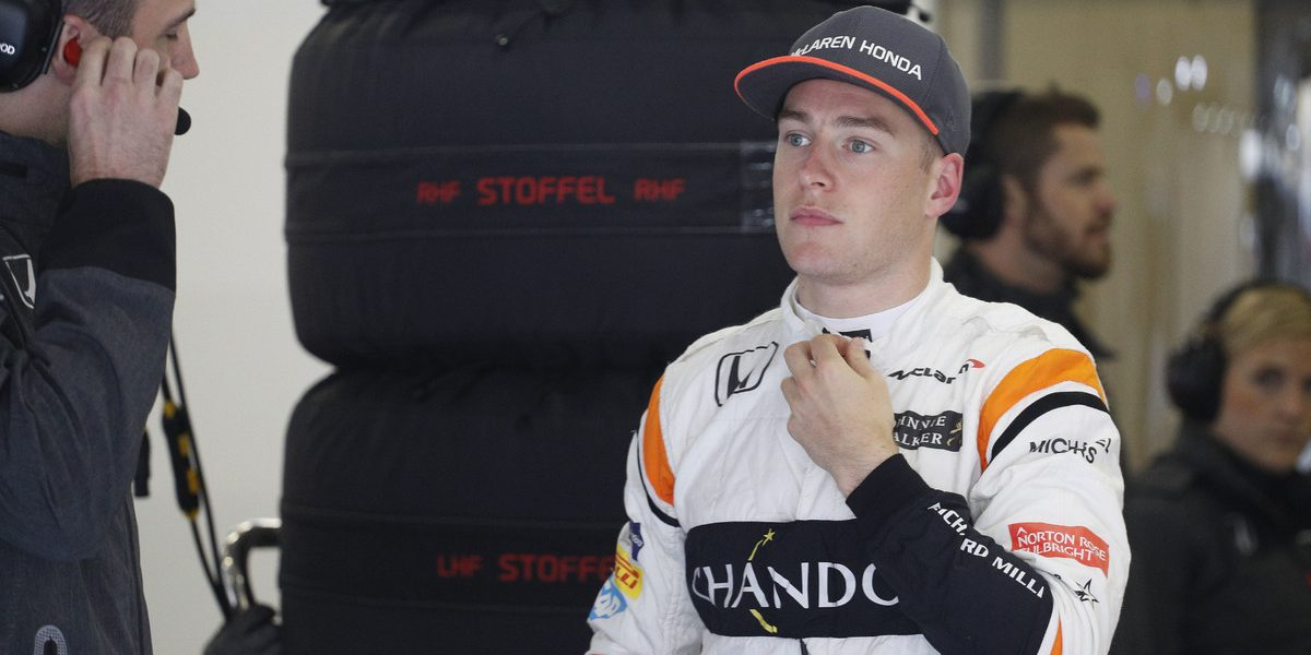 Shanghai: Motorsports: FIA Formula One World Championship 2017 Chinese Formula One Grand Prix Shanghai Circuit on April 08, 2017 in Shanghai, China. (Photo by Hoch Zwei) #2 Stoffel Vandoorne (BEL, McLaren Honda)