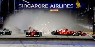 Motorsports: FIA Formula One World Championship 2017, Grand Prix of Singapore,  Start, Crash, #5 Sebastian Vettel (GER, Scuderia Ferrari), #33 Max Verstappen (NLD, Red Bull Racing), #7 Kimi Raikkonen (FIN, Scuderia Ferrari), #44 Lewis Hamilton (GBR, Mercedes AMG Petronas F1 Team), #3 Daniel Ricciardo (AUS, Red Bull Racing),  *** Local Caption *** +++ www.hoch-zwei.net +++ copyright: HOCH ZWEI +++