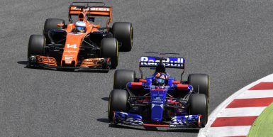 Motorsports: FIA Formula One World Championship 2017, Grand Prix of Spain,  #26 Daniil Kvyat (RUS, Scuderia Toro Rosso), #14 Fernando Alonso (ESP, McLaren Honda),  *** Local Caption *** +++ www.hoch-zwei.net +++ copyright: HOCH ZWEI +++