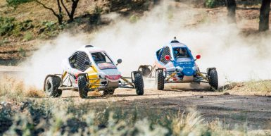 sainz-vs-sainz-car-cross-challenge-action