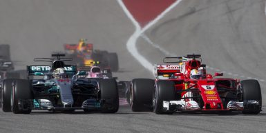 Motorsports: FIA Formula One World Championship 2017, Grand Prix of United States,   Start, #44 Lewis Hamilton (GBR, Mercedes AMG Petronas F1 Team), #5 Sebastian Vettel (GER, Scuderia Ferrari),  *** Local Caption *** +++ www.hoch-zwei.net +++ copyright: HOCH ZWEI +++