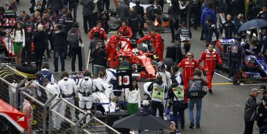 Shanghai: Motorsports: FIA Formula One World Championship 2017 Chinese Formula One Grand Prix Shanghai Circuit on April 08, 2017 in Shanghai, China. (Photo by Hoch Zwei) starting grid #5 Sebastian Vettel (GER, Scuderia Ferrari),