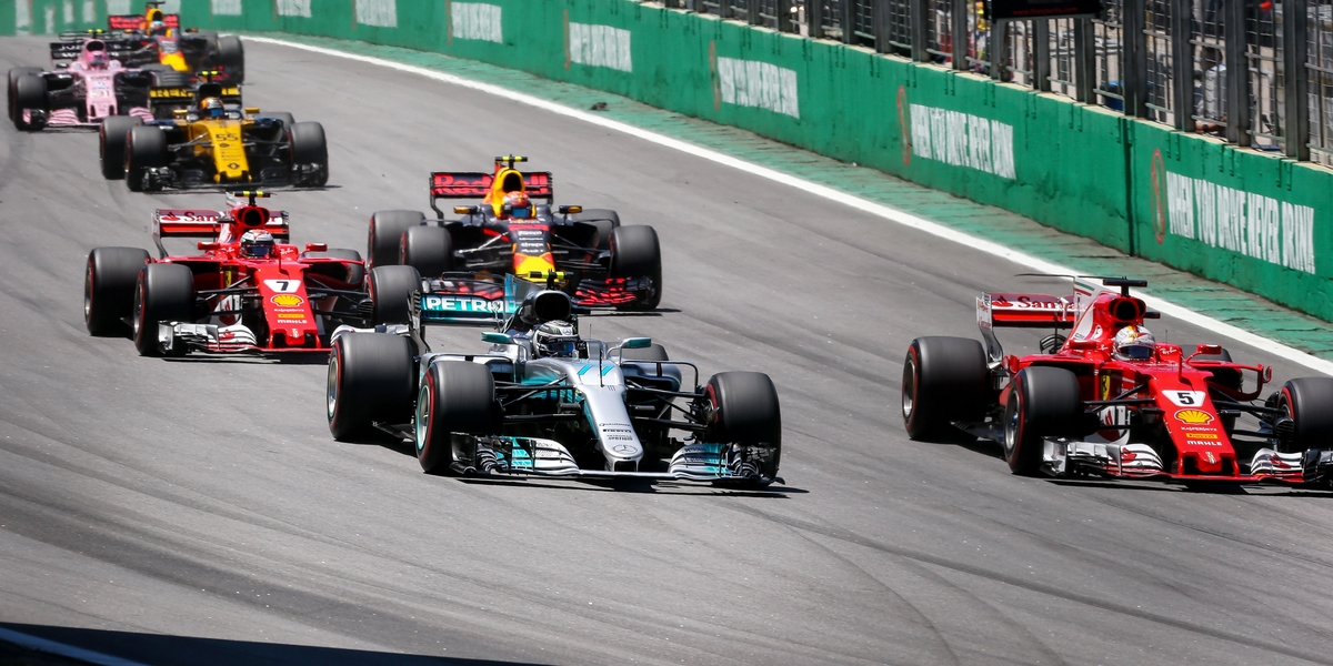 Motorsports: FIA Formula One World Championship 2017, Grand Prix of Brazil,  Start, #77 Valtteri Bottas (FIN, Mercedes AMG Petronas F1 Team), #5 Sebastian Vettel (GER, Scuderia Ferrari), #7 Kimi Raikkonen (FIN, Scuderia Ferrari), #33 Max Verstappen (NLD, Red Bull Racing),  *** Local Caption *** +++ www.hoch-zwei.net +++ copyright: HOCH ZWEI +++