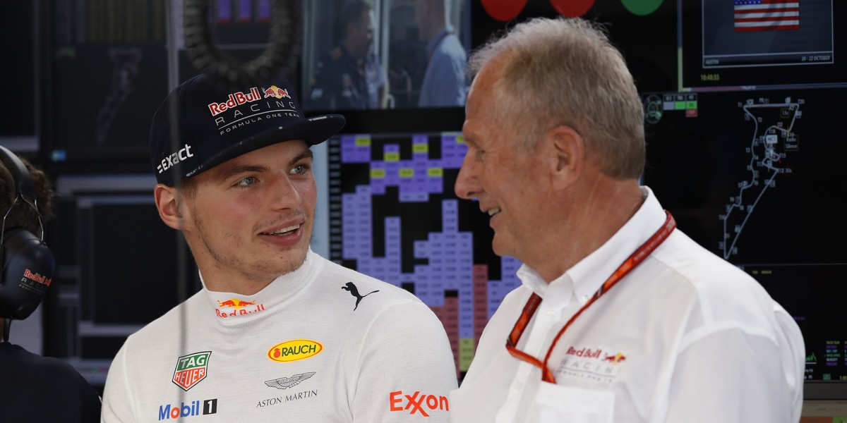 Motorsports: FIA Formula One World Championship 2017, Grand Prix of United States,  #33 Max Verstappen (NLD, Red Bull Racing), Dr. Helmut Marko (AUT, Red Bull Racing),  *** Local Caption *** +++ www.hoch-zwei.net +++ copyright: HOCH ZWEI +++
