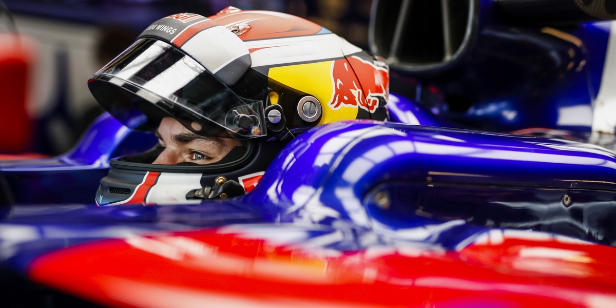 Motorsports: FIA Formula One World Championship 2017, Grand Prix of Abu Dhabi,  #10 Pierre Gasly (FRA, Scuderia Toro Rosso),  *** Local Caption *** +++ www.hoch-zwei.net +++ copyright: HOCH ZWEI +++